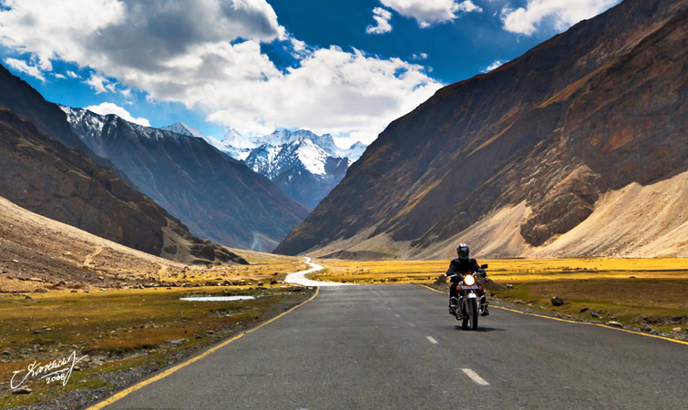 List of top 10 Popular Bikes for Long Bike Road Trips in India