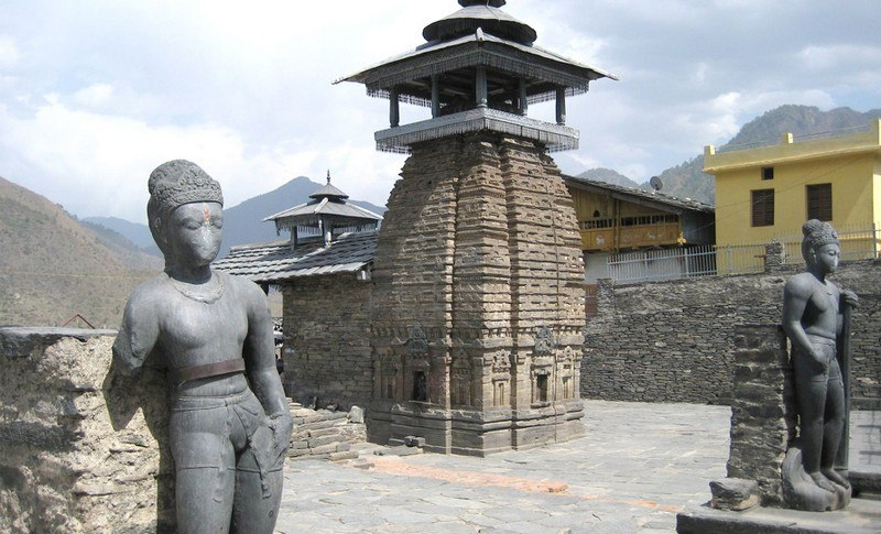 Top Must See Monuments In Uttarakhand
